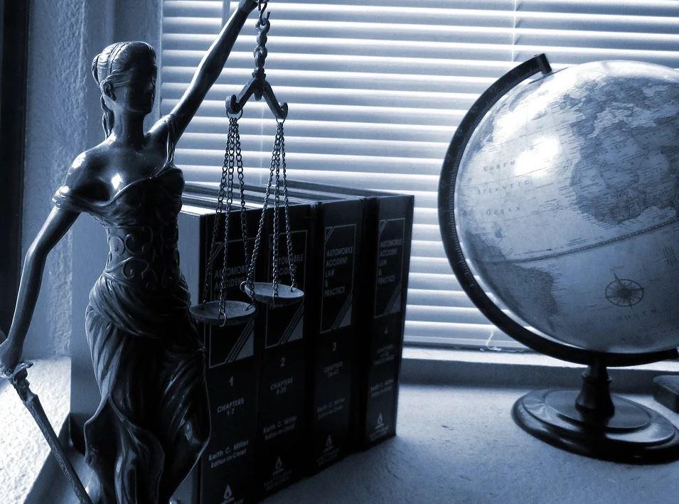 Representación legal como funcion del presidente Comunidad de vecinos